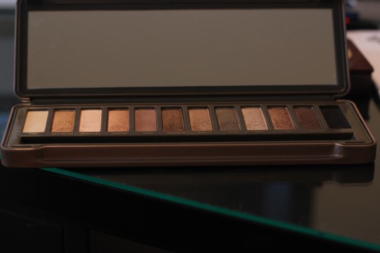 The Naked 2 Palette - The Middle Child
